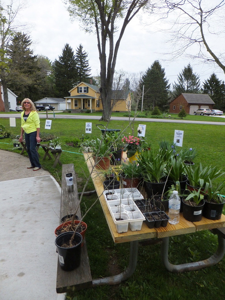 Herbs, Perennials, Hanging Baskets, Heirloom Vegetable And Tomato Plants,  Mothersu0027 Day Gifts And Garden Related Books And Items. Free Admission.